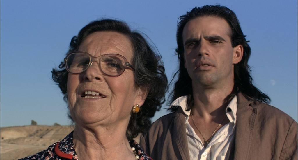 Cándida Villar fue asistenta en casa de los Fesser. Colaboró con Guillermo en Gomaespuma y acabó protagonizando su, hasta ahora, única película como director.