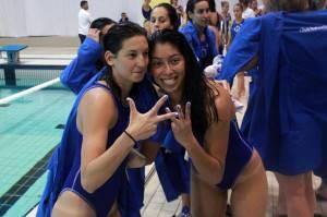 Laura Ester y Mati Ortiz celebrando la tercera Champions del Sabadell