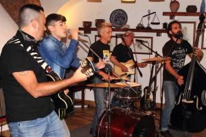 The Frigolos con un vocalista ocasional /Foto: Raúl Díaz Guerrero