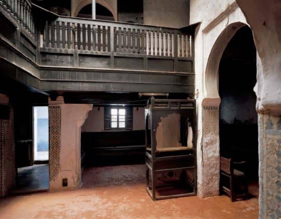 Interior de la sinagoga Bengualid