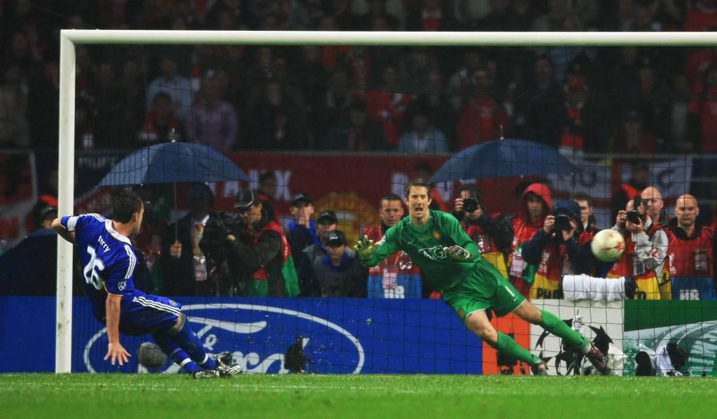Terry falla un penalti que convierte a Van der Sar en campeón de Europa.