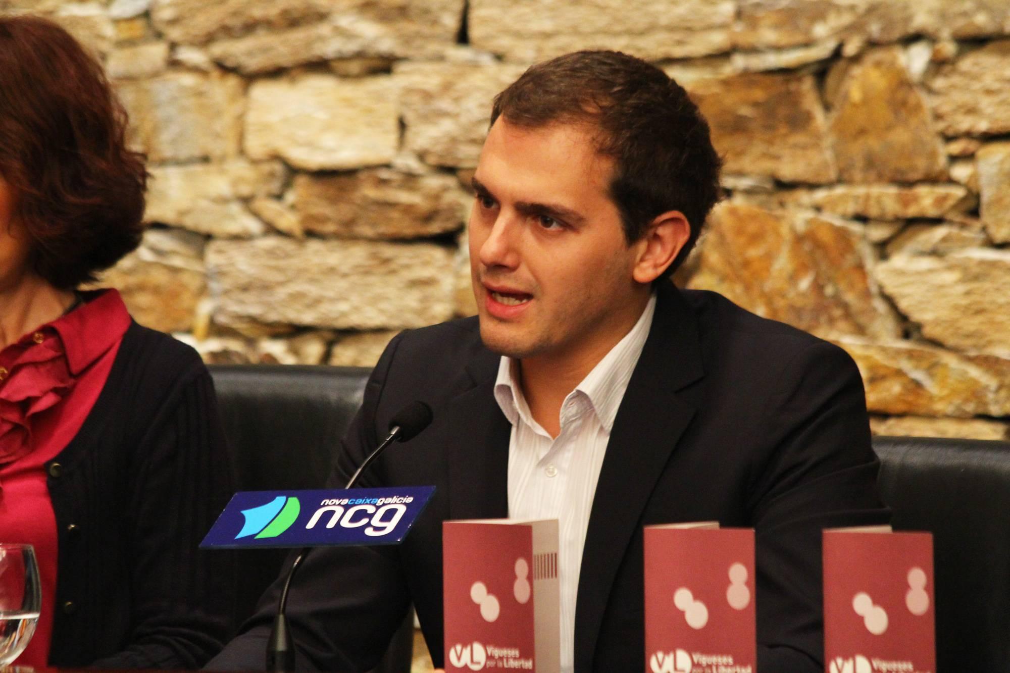 Conferencia_de_Albert_Rivera_en_Vigo_(2_de_octubre_de_2012)_(4)