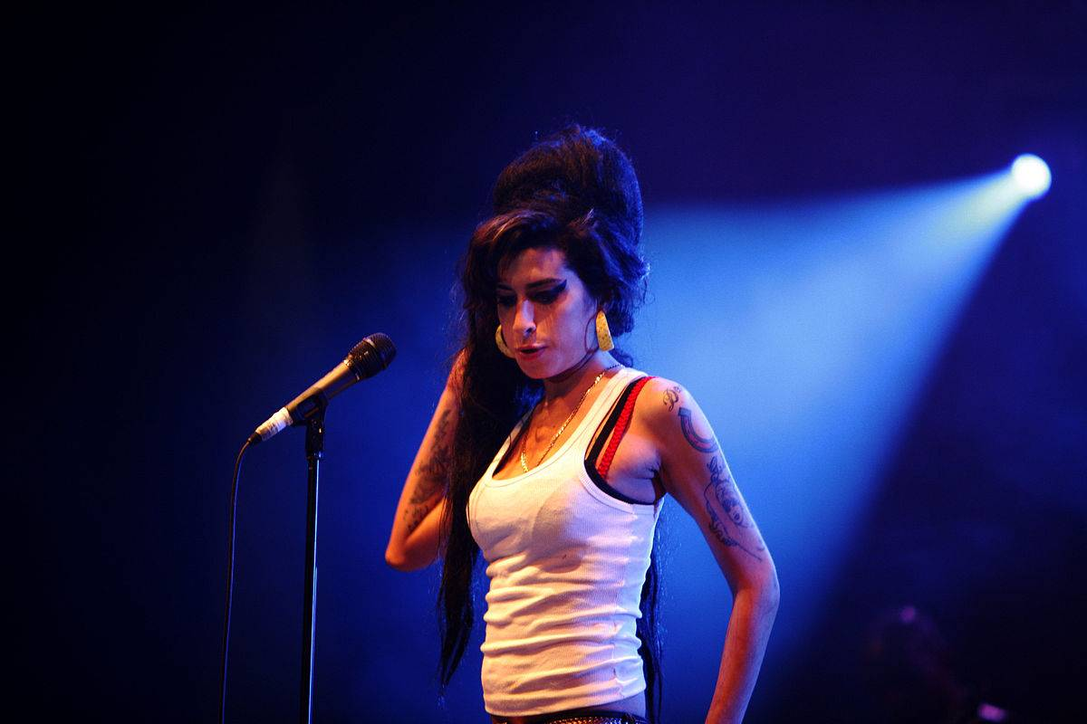 1200px-Amy_Winehouse_f5048439