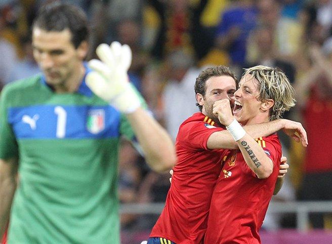 Mata_and_Torres_goal_celebration_Euro_2012_final
